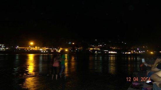Ram Jhula by night