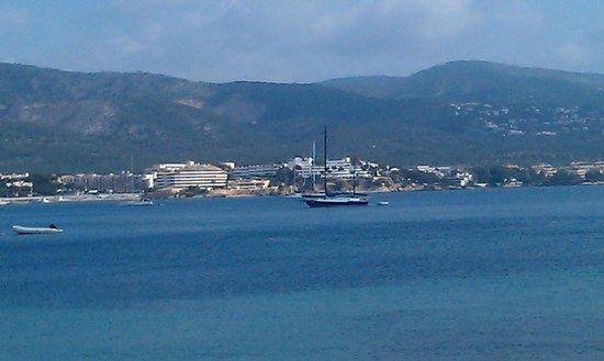 Ola Club Panama: views on the beach