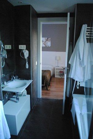 Hotel Balneario Alhama de Aragon: Baño Habitación