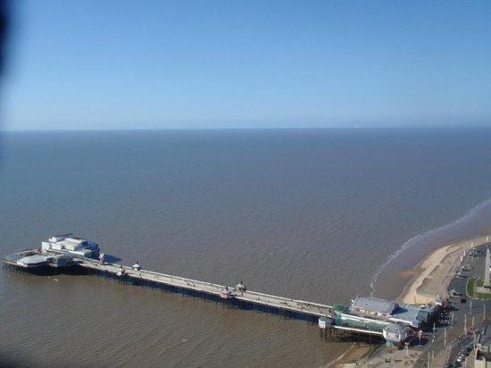Tour et Cirque de Blackpool (Blackpool Tower and Circus) : Blick auf den North Pier