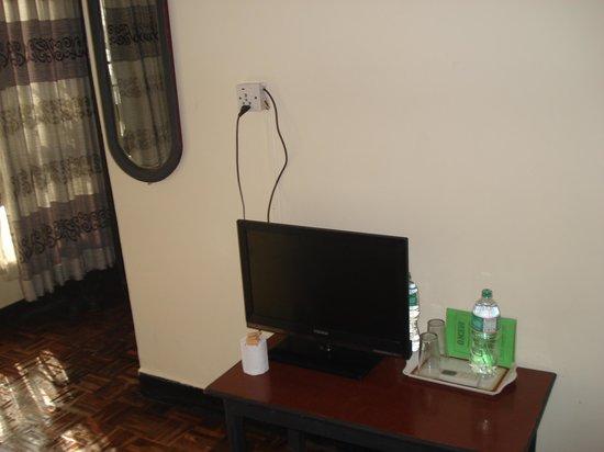 Peak Point Hotel: my room t. v