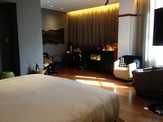 QT Sydney : Good room size