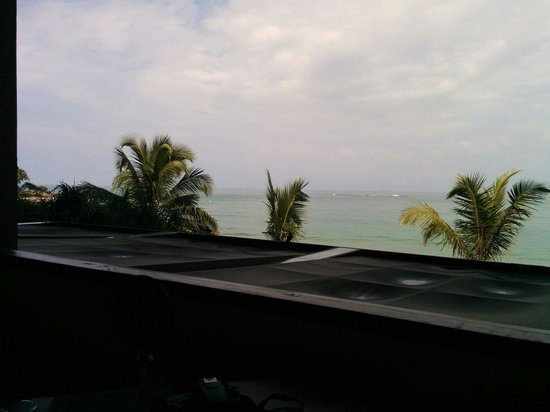 Pandanus Beach Resort & Spa : View from breakfast table..dont miss this one