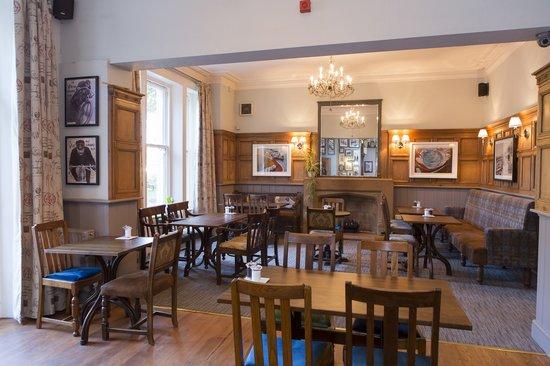 Dean Park Inn: Dining Room