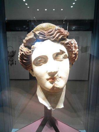 Museo Nazionale Archeologico : Figura Donna