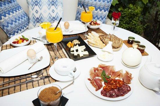 Jardi D'Arta : Frühstück im Patio