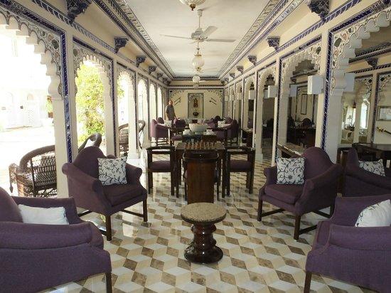 Taj Lake Palace Udaipur: relaxation lounge - beautiful decor