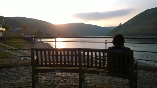 NH Bingen: Watching the sun goes down from the hotel terrance