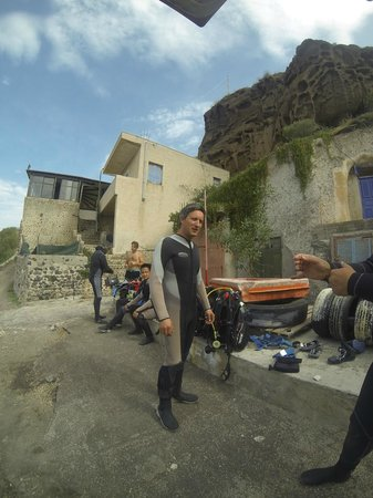 Aegean Divers Dive Center - Day Excursions: me : something like 200 dives and level 2 CMAS FFESSM