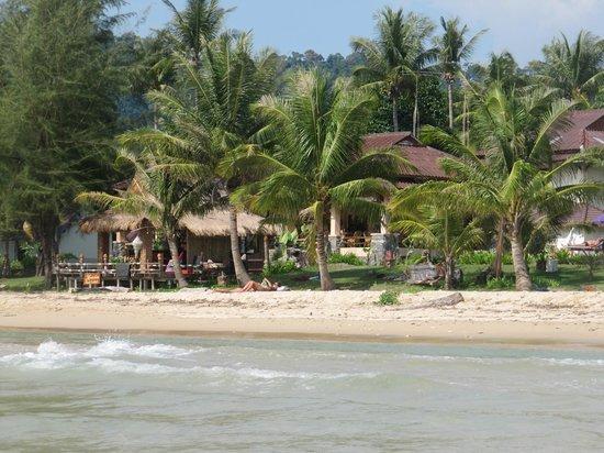 Lanta Castaway Beach Resort: Blick vom Wasser