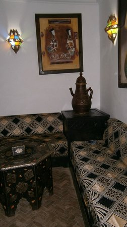 Ryad Laarouss: sitting area