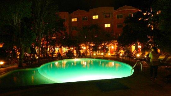 Courtyard By Marriott Cancun Airport: Piscina