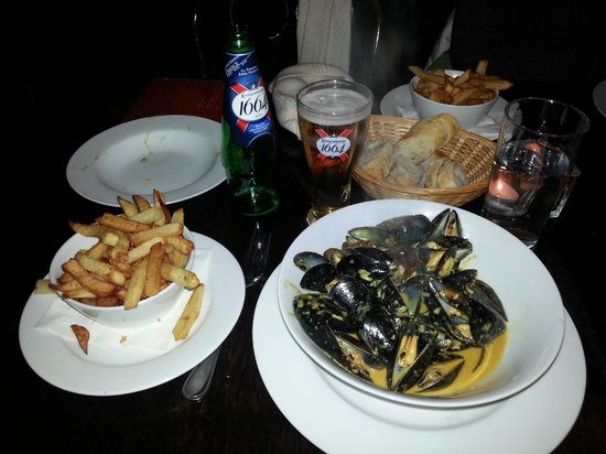 Paris Crepes Cafe: Curry mussels