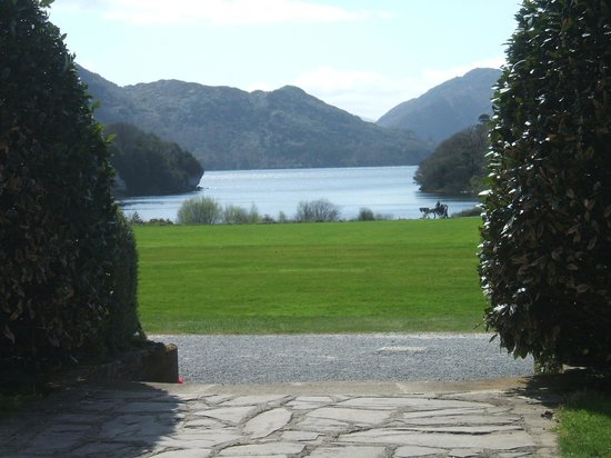 Randles Hotel: Muckross House view