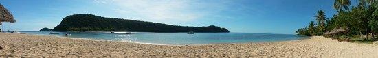 Paradise Cove Resort : Panaroma of the beach
