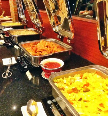 Java Paragon Hotel & Residences : Exceptional choices for buffet