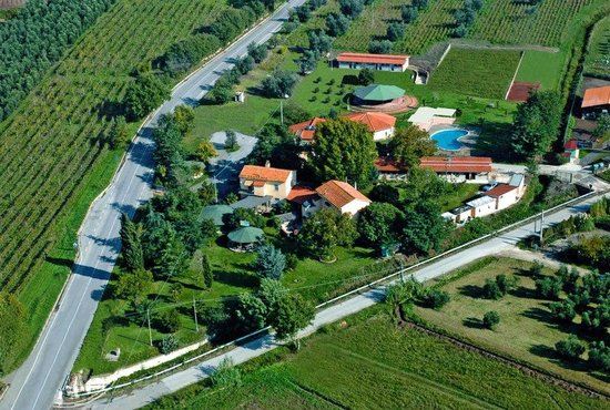 Azienda Agrituristica Le Cascine: Vista aerea