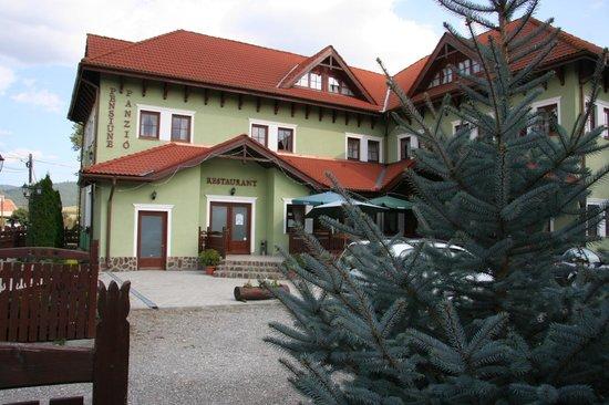 Cozmeni, Romania: Restaurants