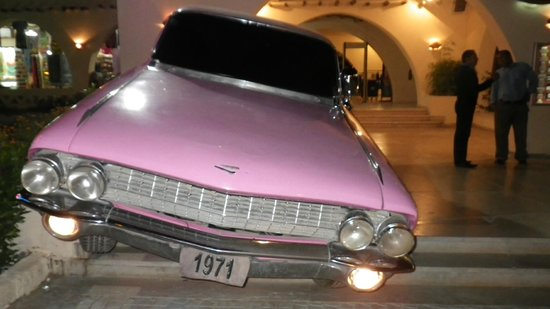 Hard Rock Cafe Hurghada : pink cadillac