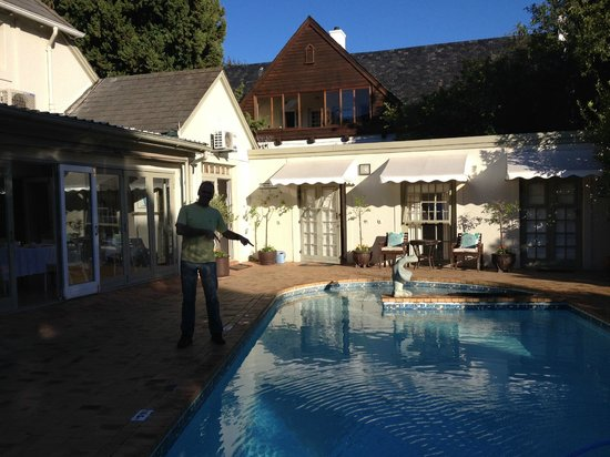 Wild Olive Guest House: Lekker fris water.