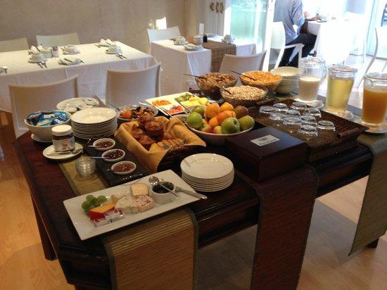 Wild Olive Guest House: Heerlijk ontbijt.
