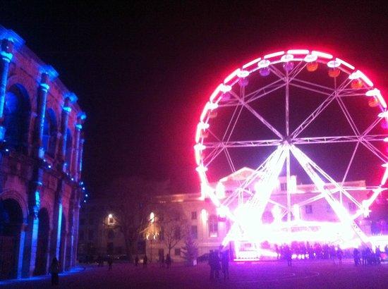 Arènes de Nîmes : très beau de nuit