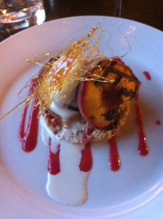 Huntsman Inn: wine tasting dessert