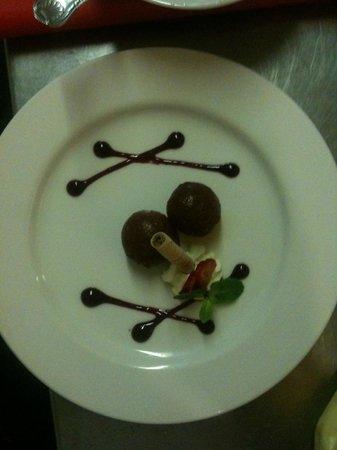 Gurkha Bar and Restaurant: lovely dessert