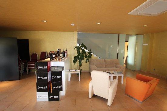 Buil & Giné: Bar area