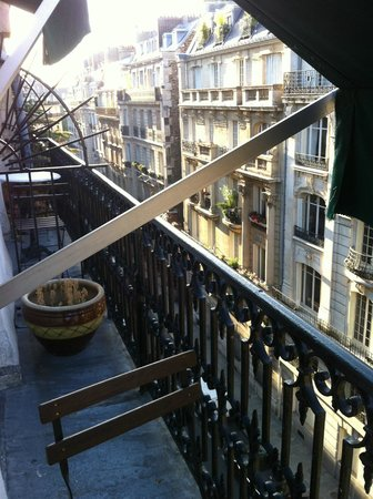 Hotel Brescia Opera: Вид из номера с терасы