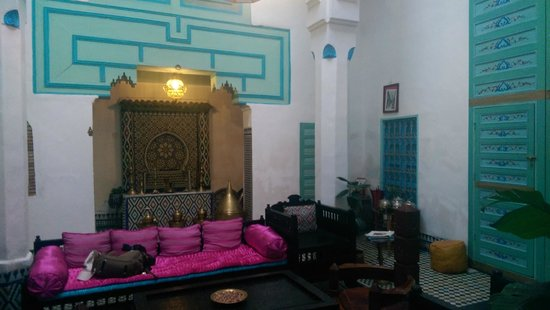 Riad Amazigh Meknes: Zona del salón común