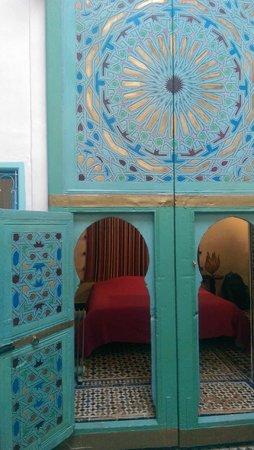 Riad Amazigh Meknes: Entrada a la habitación