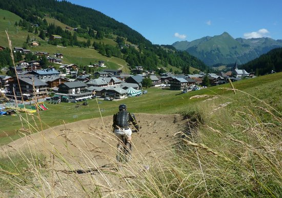 Chamois D'Or Hotel & Spa : Summer Mountain Biking in Les Gets