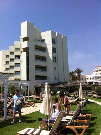 Capo Bay Hotel : Hotel and grounds