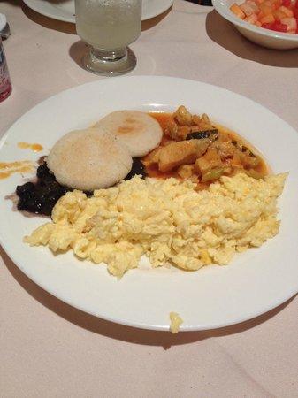 Shelter Suites: Desayuno
