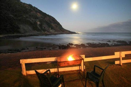 Victoria Bay: Evening view