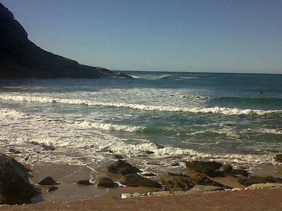 Victoria Bay: Sea View