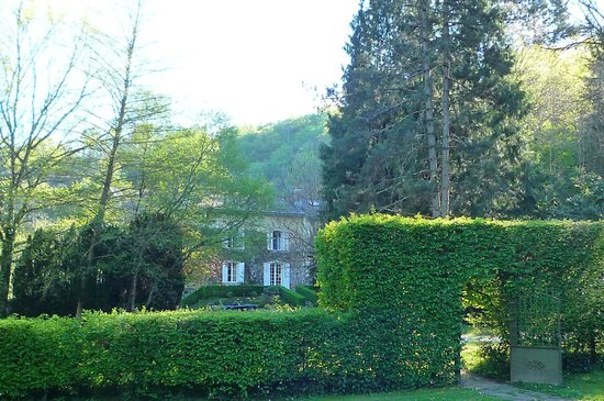 Domaine De La Brugere: The mansion from the garden
