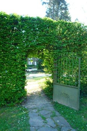 Domaine De La Brugere: A gate in the greenery