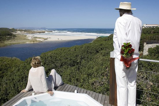 Kennedys Beach Villa: Romance on Kennedys viewing Deck
