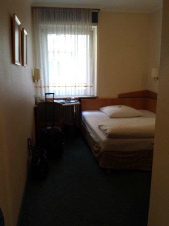 Hotel Daniel: Not the most comfortable nights sleep