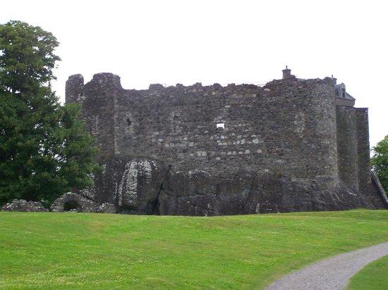 Dunstaffnage Castle & Chapel: castle