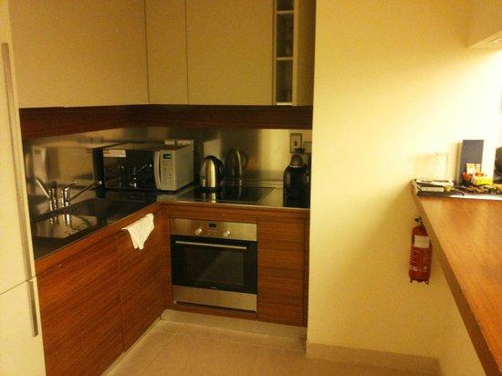 Radisson Blu Residence, Dubai Marina: Scorcio della cucina