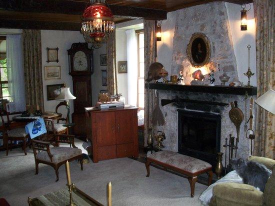 The Fidler House: Bunn House Living Room