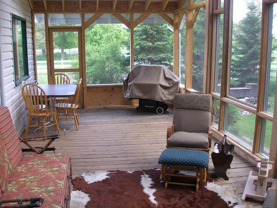 The Fidler House: Screened porch in Fidler House