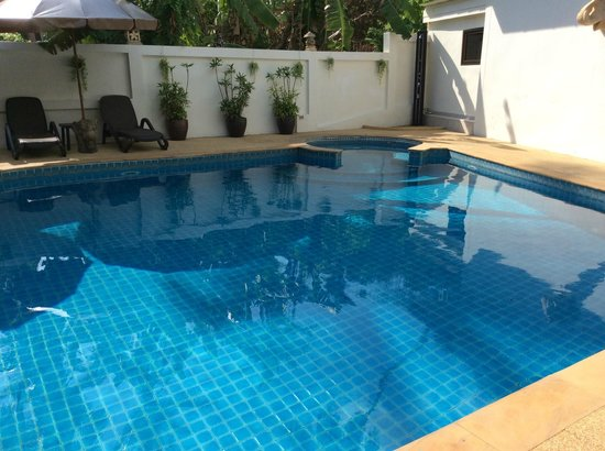 Baan Sukreep - Zen Garden Cottages : piscine