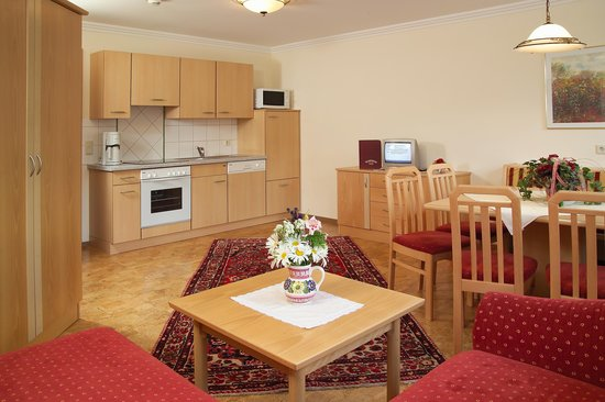 Wellness & Aparthotel Taxerhof: Family Suiten & Appartements
