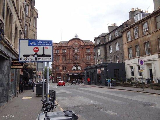 Premier Inn Edinburgh City Centre (Princes Street) Hotel : Edinburgh, Capital city
