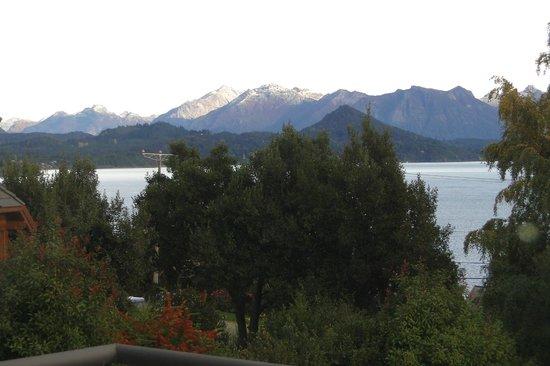 Rochester Hotel Bariloche: Vista varanda da sala do Loft
