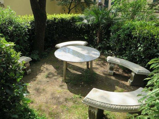 Hotel Villa Liana : Jardin 2